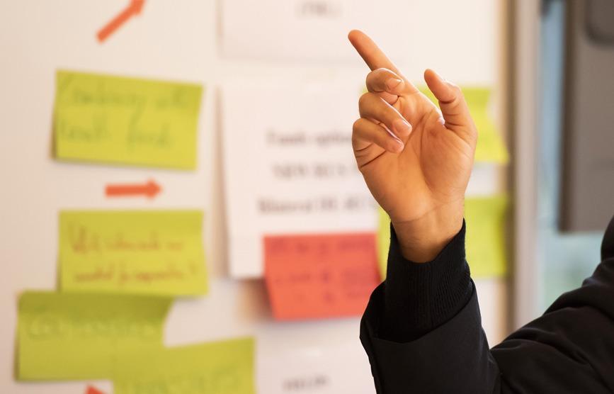 Hybride Geschäftsmodelle entwickeln: Weichenstellung via Relevanztest und Methodenwahl