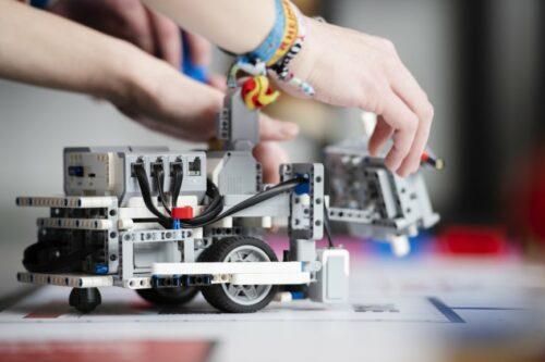 zdi-Roboterwettbewerb: Fachkräftesicherung durch spielerisches Herantasten ans Thema MINT