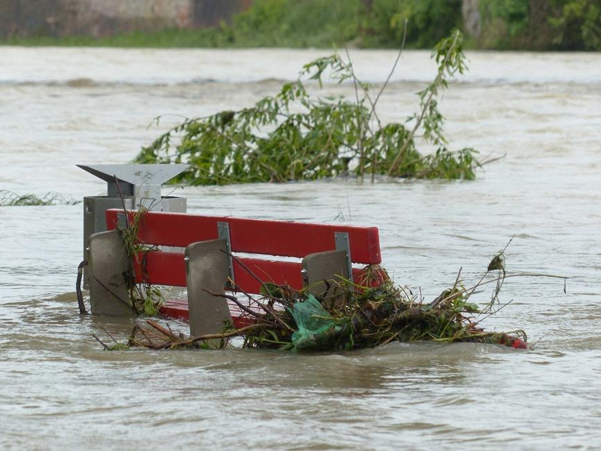 Flutkatastrophe in NRW: Hilfe für gewerbliche Wirtschaft und freie Berufe